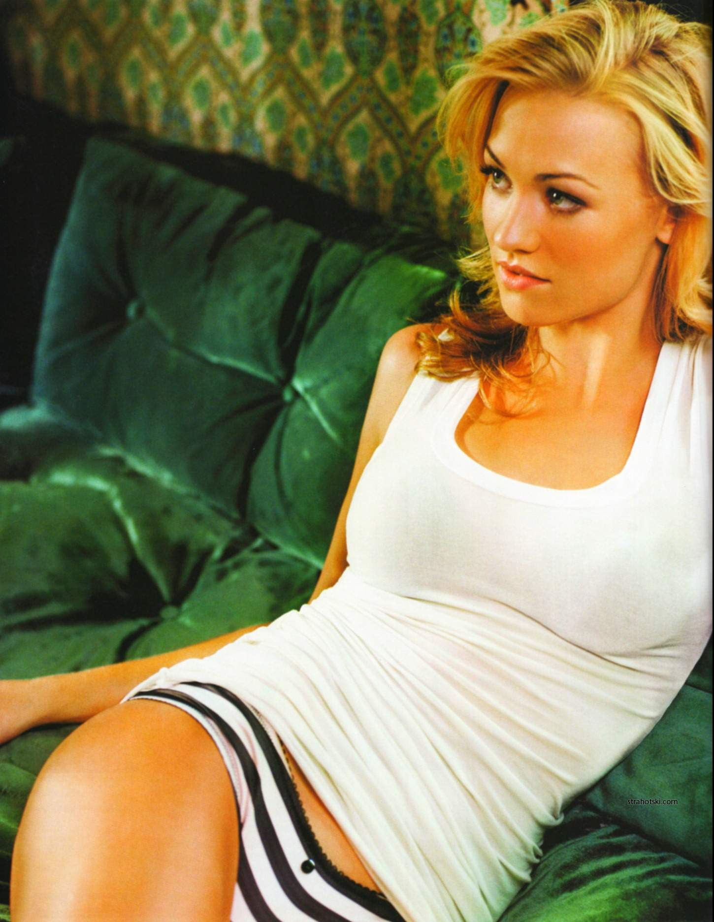 Vamer Virago for July 2011: Yvonne Strahovski