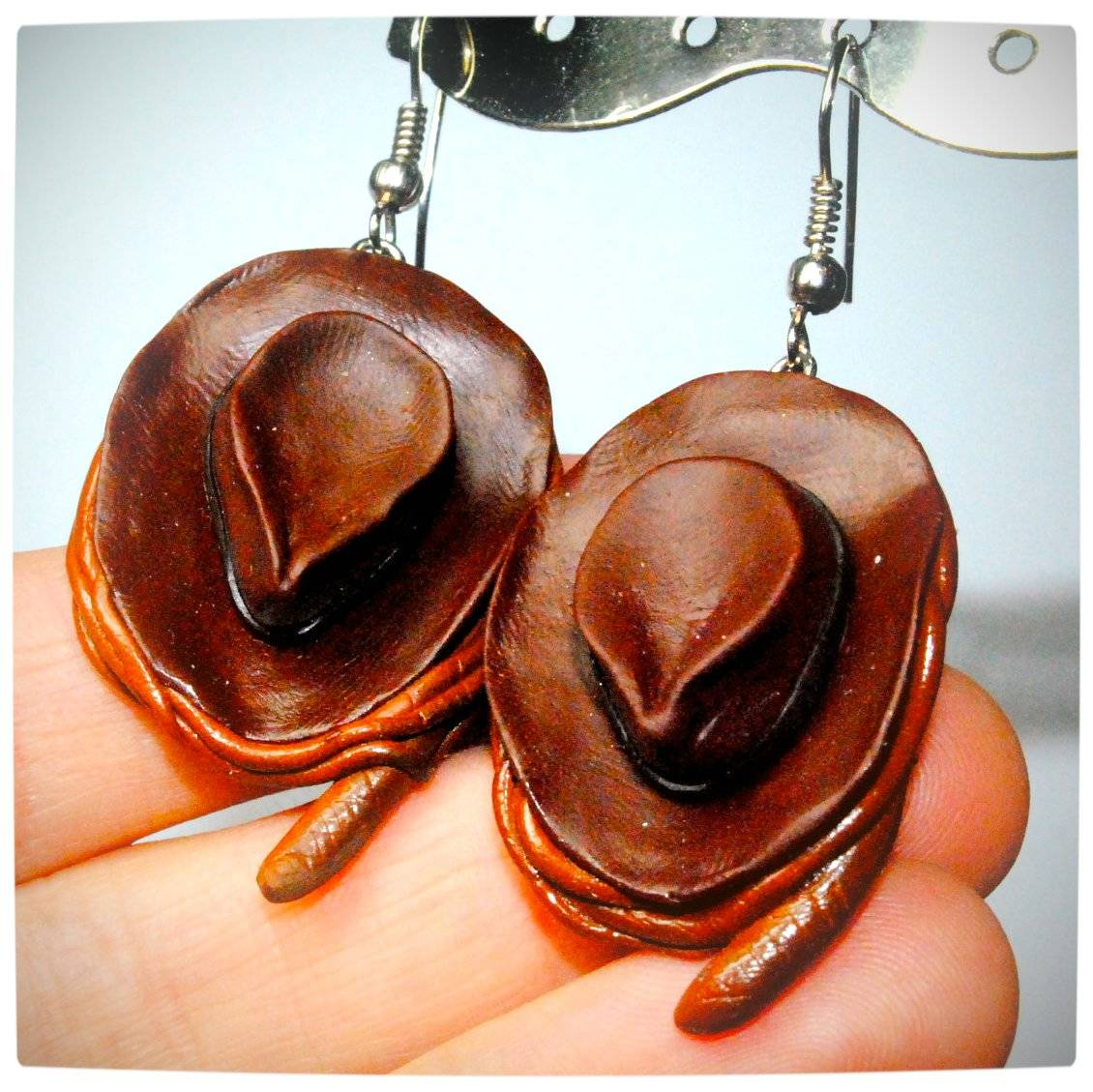 Vamers - Geekosphere - SUATMM - OhMyGeekness by Jess Firsoff - Indiana Jones Fedora Earrings