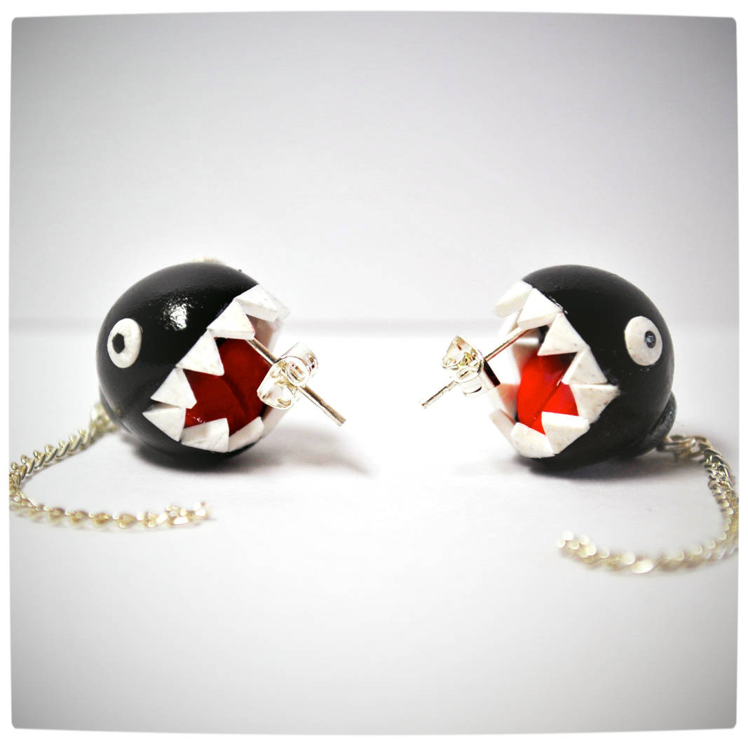 Vamers - Geekosphere - SUATMM - OhMyGeekness by Jess Firsoff - Nintendo Chain Chomp Earrings