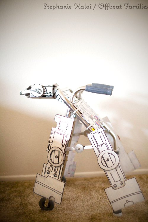 Vamers - Geekosphere - G-Life - Recovering 4 Year Old Boy Gets Custom Star Wars AT-AT Walker - Walker 02