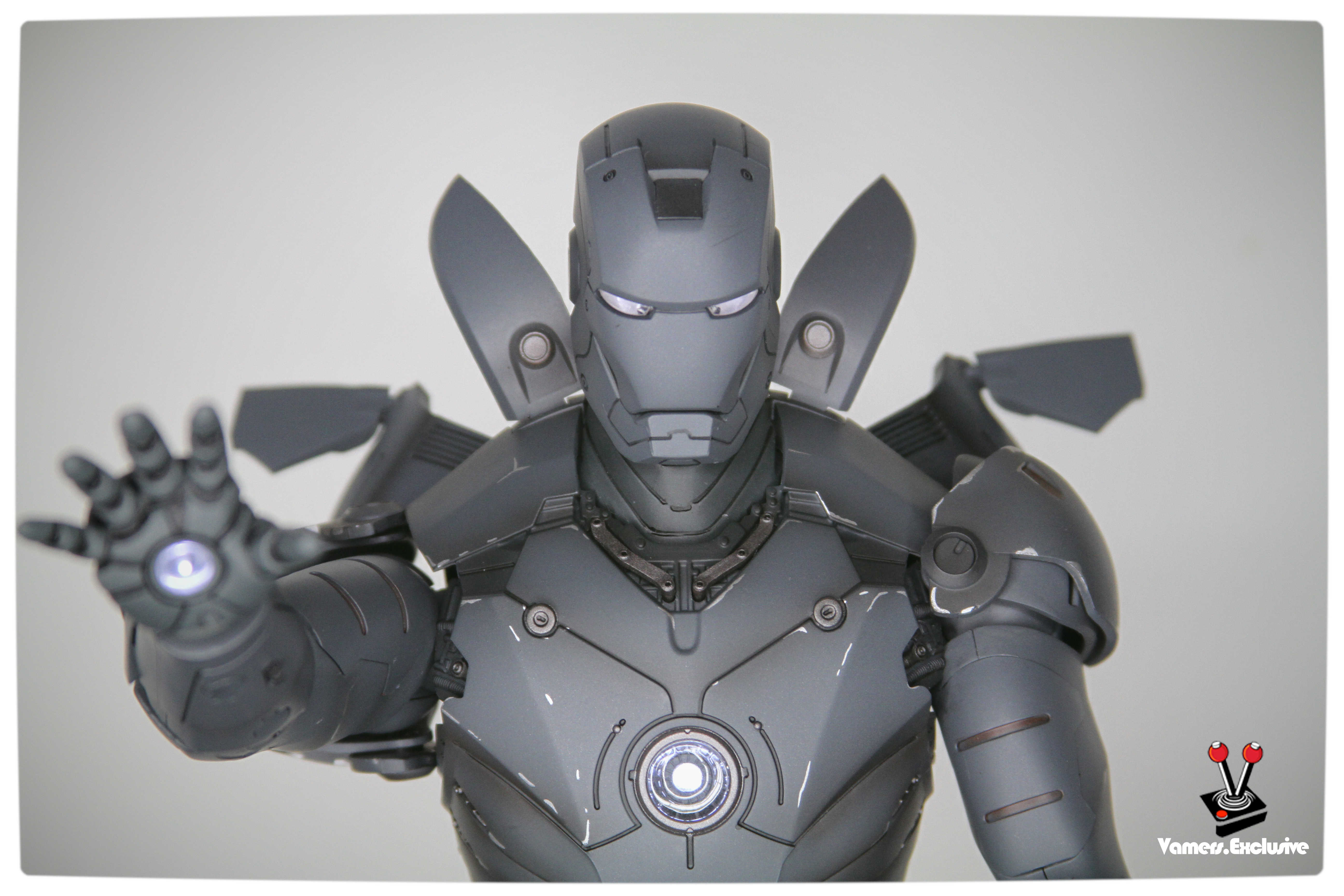 Vamers - Hot Toys - Limited Edition Collectible - Iron Man Mark III - SIlly Thing's TK Edition - MMS101 - Flaps Extended and Arc Reactor Engaged