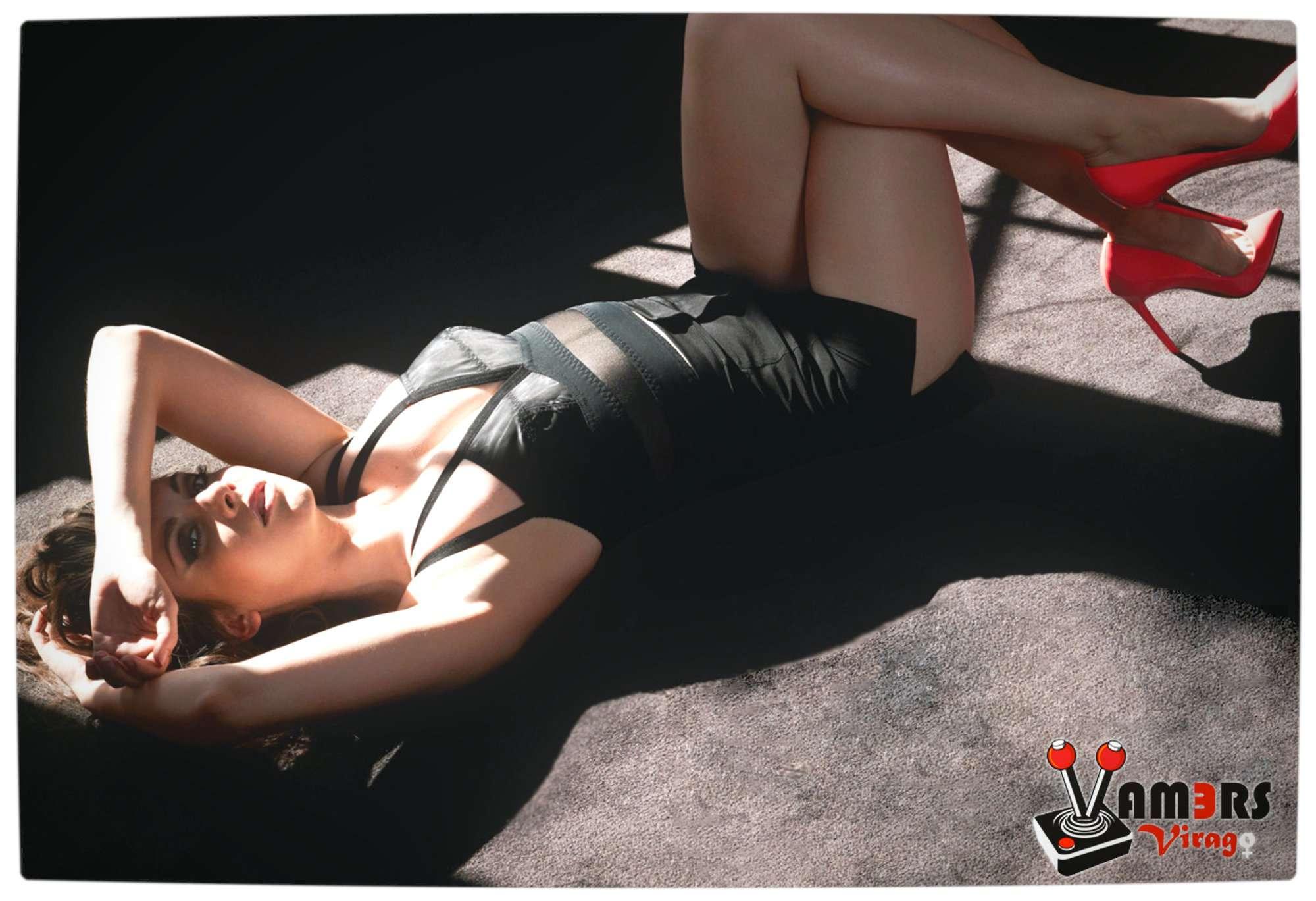 Vamers Virago - 2014 - February - Alison Brie 05
