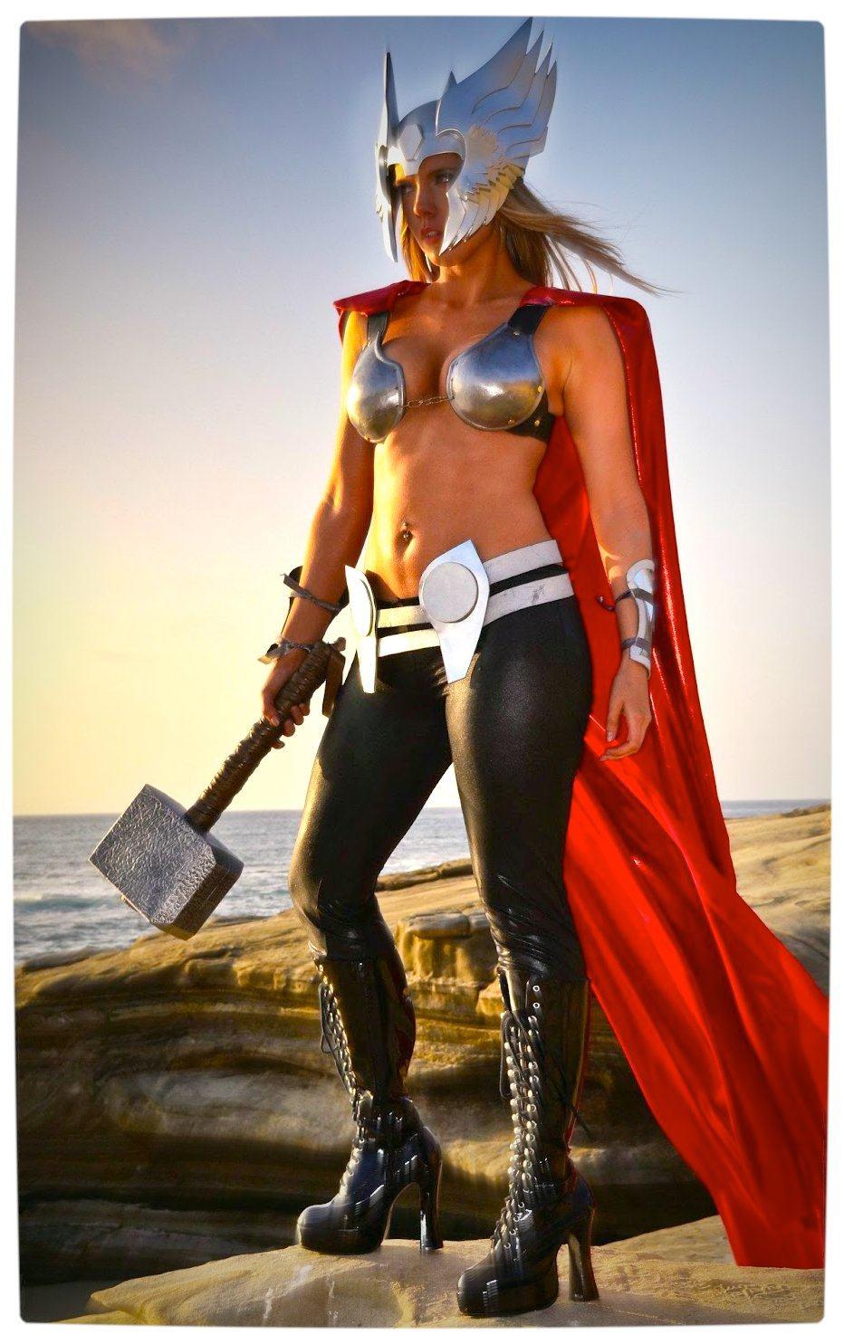 Vamers - Geekosphere - Thorsday - Toni Darling Gender-Bends Thorsday - Toni Darling as Thor 13