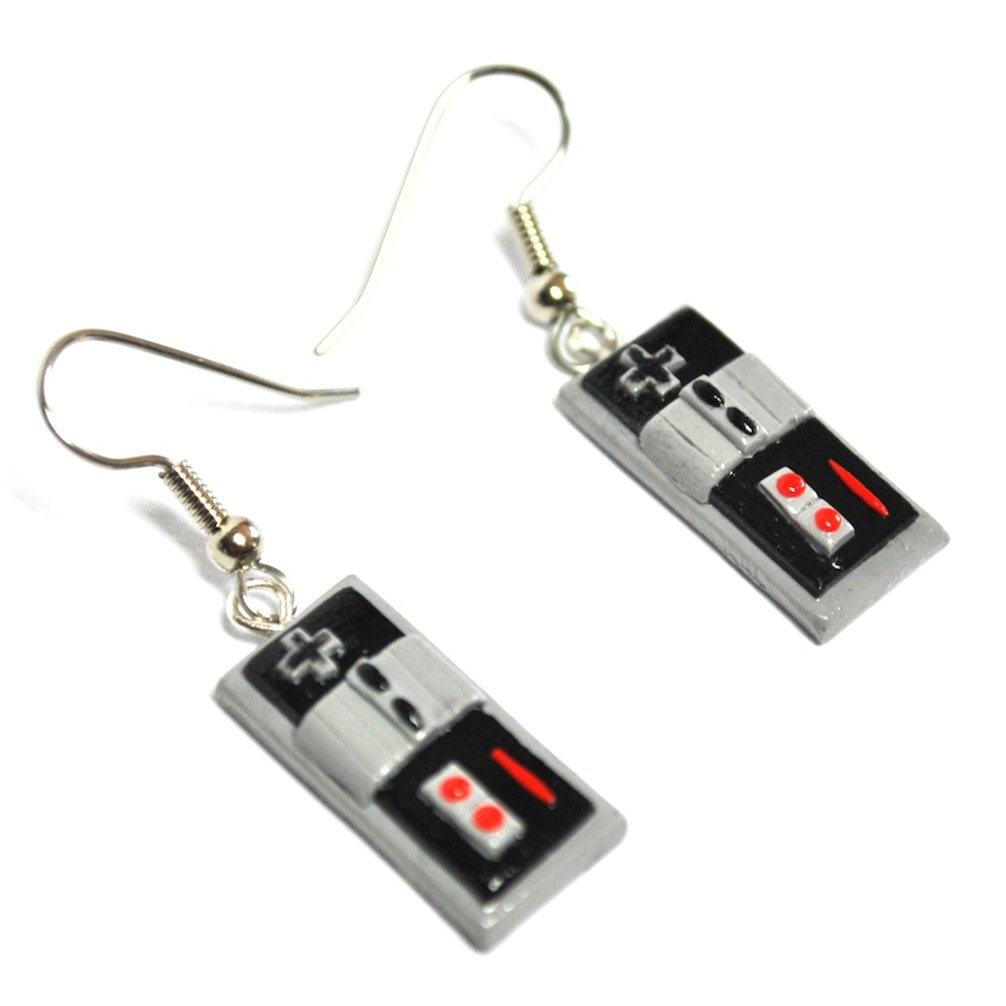 Vamers - Geekmas Gift Guide - Nintendo NES Controller Earrings